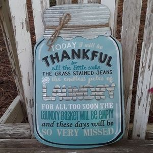 Thankful wood and metal farmhouse sign
